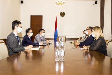 ՀՀ ֆինանսների նախարարը հանդիպել է ՀՀ-ում ՉԺՀ արտակարգ և լիազոր դեսպանի հետ